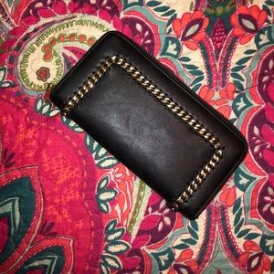 Gold chained, black carry wallet!